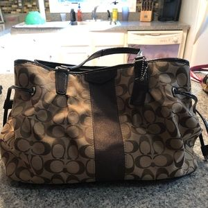 Large brown multi compartment coach bag